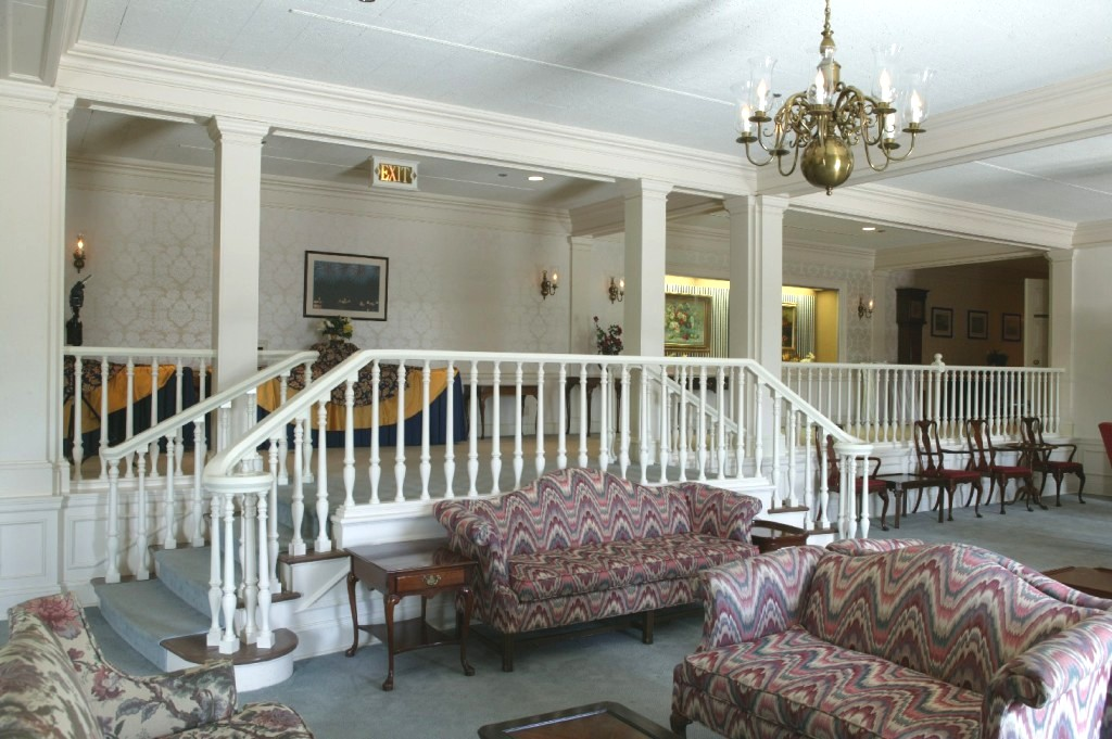 The American Adventure Parlor and foyer