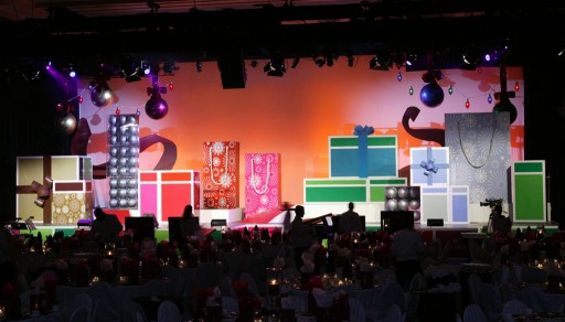 Oversized Holiday Packaging. This Oversized Holiday Packaging themed stage ...